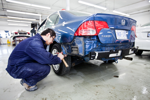 How Qualified is the Auto Body Specialist?